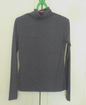 タートルネックシャツ ディープグリーン1