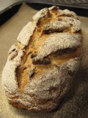 クルミ入りライ麦パン