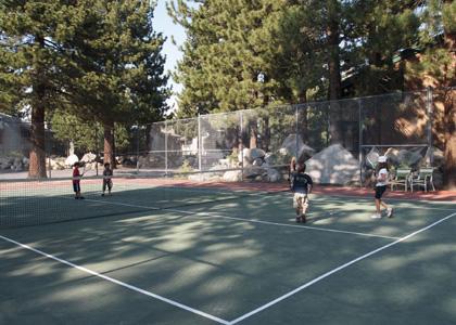 テニスしたり...