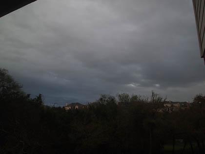 雨....