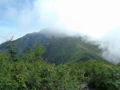 駒津峰から甲斐駒ヶ岳・・・ガスで見えない