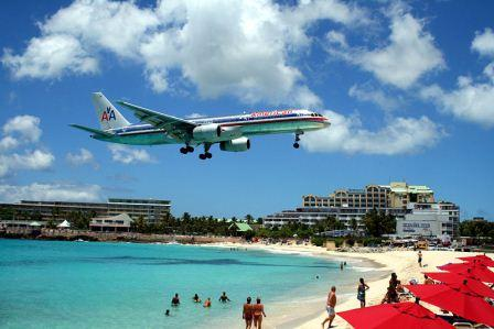 800px-American_757_on_final_approach_at_St_Maarten_Airport.jpg