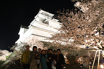 鶴ヶ城夜桜2011 4 29 017