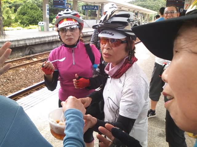 みんなで台湾名物の「かき氷」を賞味!
