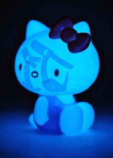 vcd-blueglowkitiy-21.jpg