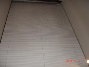 高さ5m超の電動ベネシャンブラインド(横型ブラインド)