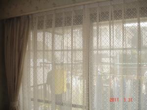 ダイニングルームカーテン、川島織物セルコンPD7217B(ドレープ)・PL7534E(レース)