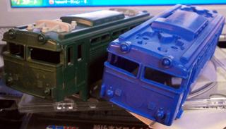 成型色の機関車