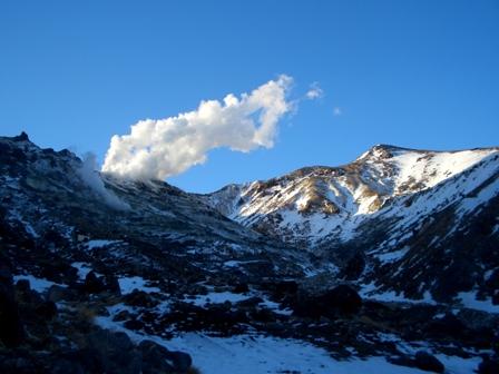 朝日を浴びる星生山CIMG0044