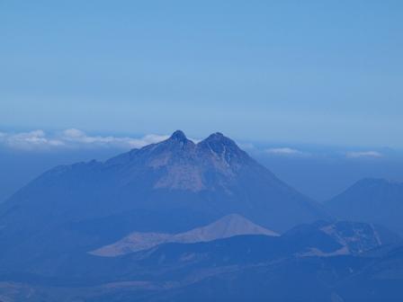 大船山山頂から由布岳P2213157