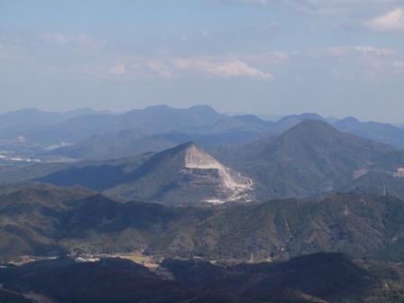 山頂から稲積山P3253330