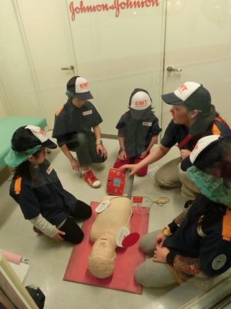 キッザニア再び 救急救命士の練習