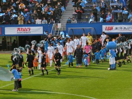 2012 J2第2節 横浜FCvs愛媛FC 入場