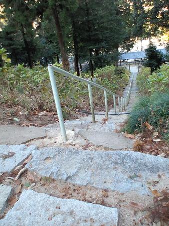 岩山宮様までの階段