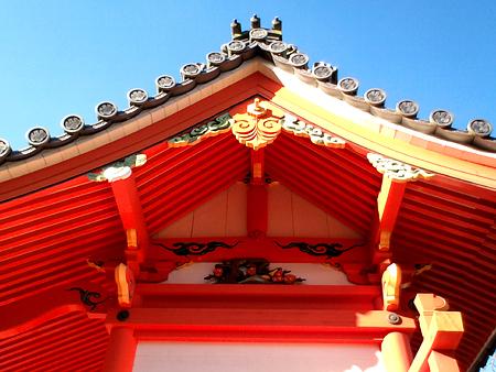 宇賀神社様 御本殿梅とかぶ?