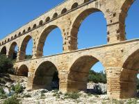 800px-Pont_du_Gard.jpg