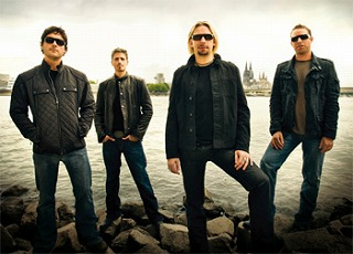 nickelback_darkhorse[1]
