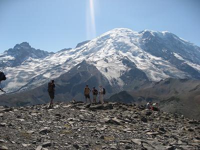 氷河手前の山頂にて。