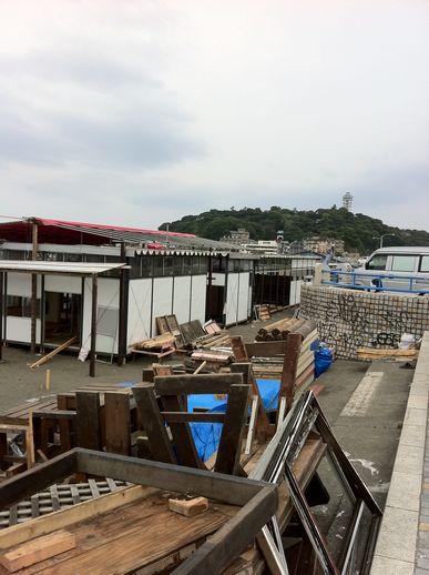 2011海の家建設中