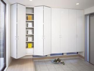 closet01.jpg