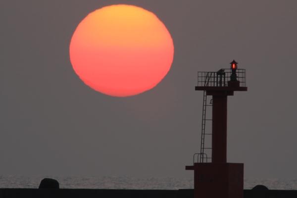 夕日 金石海岸