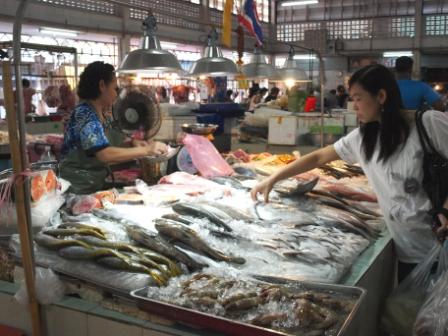 タラート0909魚