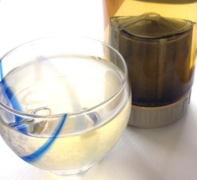 エコボトルで水出し冷茶