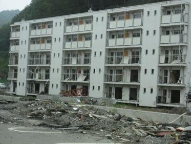 5階建て、3階まで津波