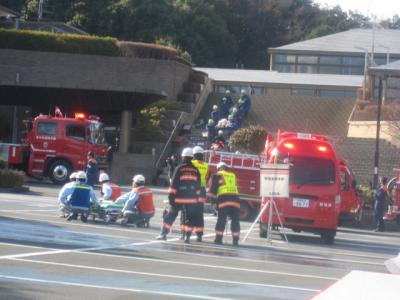 多数の負傷者を救出