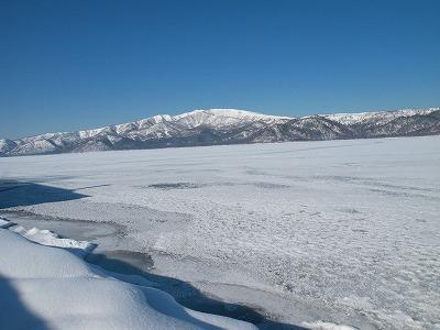 屈斜路湖が全面凍結