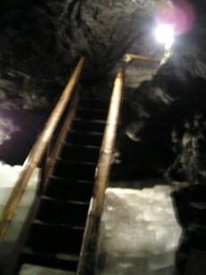 鳴沢永穴の中の様子