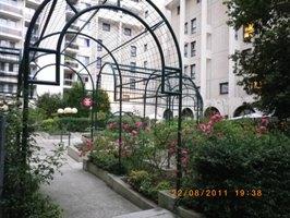 メルキュール ポルド ド ベルサイユ エキスポホテルの裏庭?