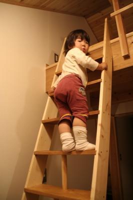 ロフト階段子供