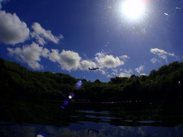 宮古島 ハチの巣ホール 飛行機訓練