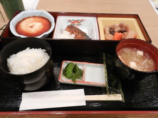 成田空港 和定食+(1)