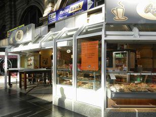 2011ドイツ+フランク駅のcoffee shop+(2)