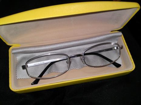 柳生(仁王)眼鏡。