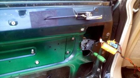 ジャガー XJ40 パワーウィンドウ修理