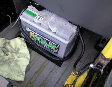 バッテリー移設 室内