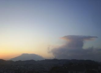 ☆桜島と噴煙08 (30%)
