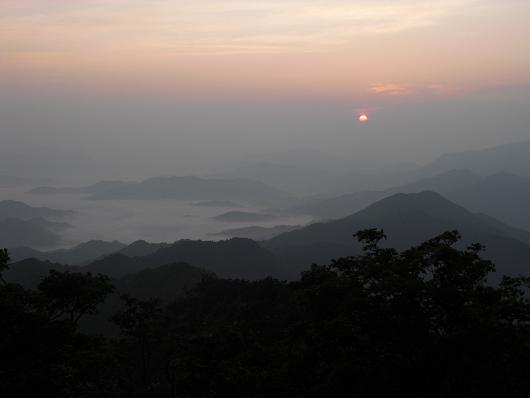 7  高見山頂上より日の出