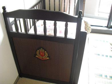 2 赤ちゃんのベッド
