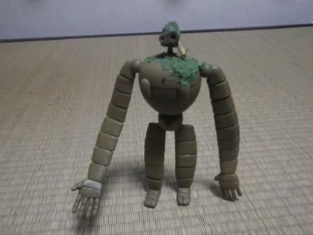 ロボット兵とキツネリス