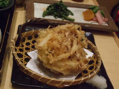 白魚と野菜のかき揚げと菜の花と季節のお漬物盛り合わせ