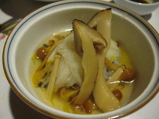 s-湯布院宿夕食マツタケIMG_1087