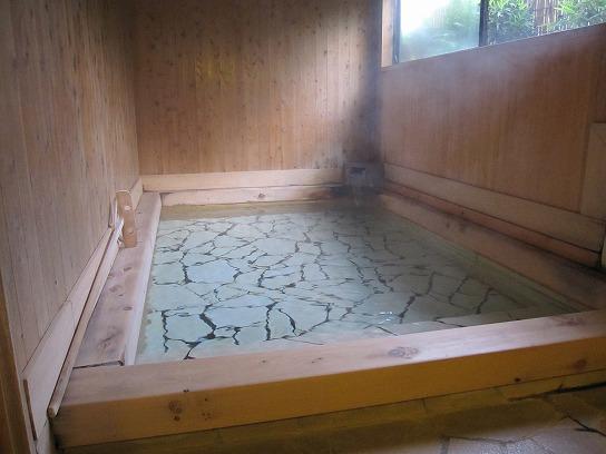 s-湯布院宿外風呂IMG_1099