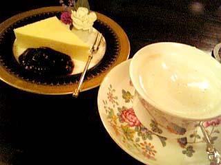 ボナール カフェ オ レ ウインナ+チーズケーキ