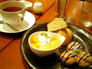 Luxe Cafe よくばりSweets+紅茶