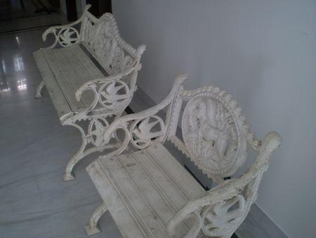 gardenchair2.jpg