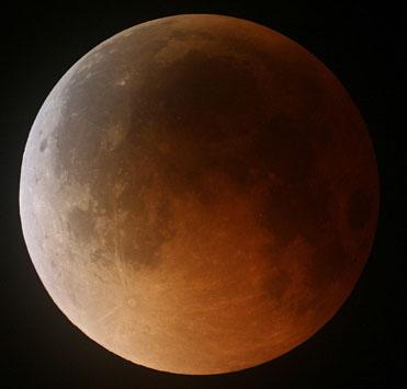 eclipsed_moon1.jpg
